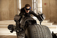 Anne Hathaway als Selina Kyle und Catwoman in The Dark Knight Rises